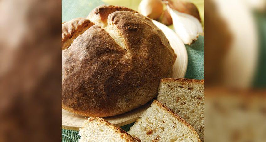 cebollas blancas pan
